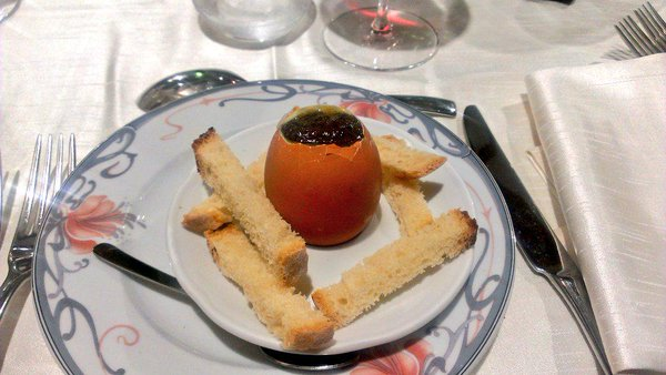 Uovo alla coq e tartufo - Dove mangiare a Ferentillo
