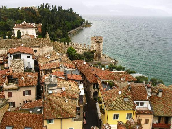 Weekend Veneto Vista su Sirmione dalla sua rocca