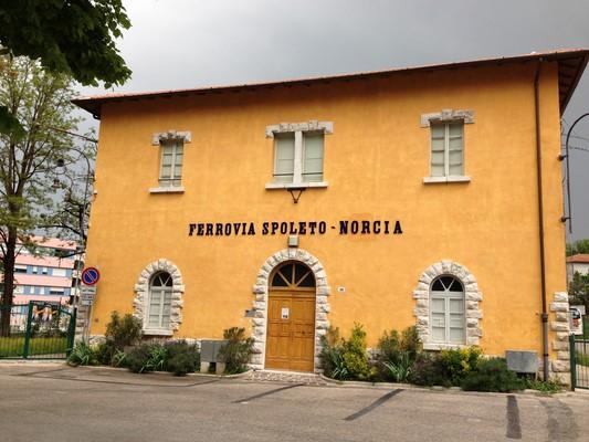 Ferrovia_Spoleto_-_Norcia._Stazione_di_Spoleto