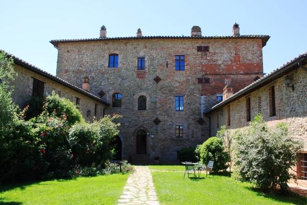Castello di Monticelli