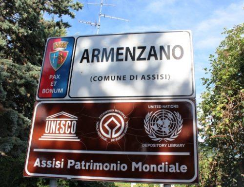 Passeggiata ad Armenzano - cartello del borgo